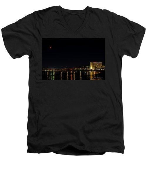 Super Blue Blood Moon Over Ventura, California Pier  Men's V-Neck T-Shirt