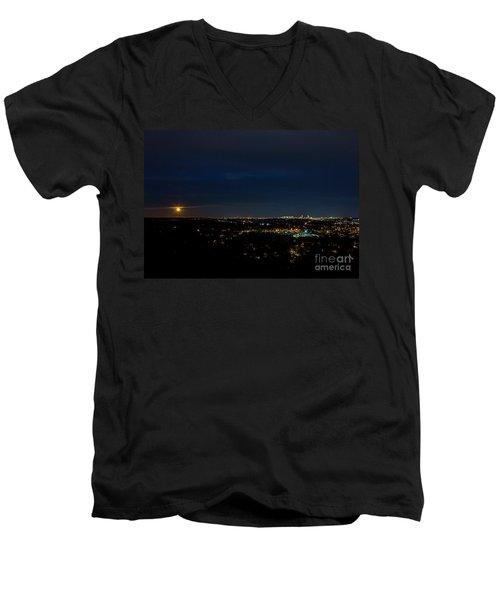 Super Moon 2016 Rises Over Boston Massachusetts Men's V-Neck T-Shirt by Diane Diederich