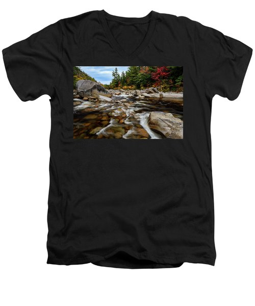 Swift River Autumn Nh Men's V-Neck T-Shirt
