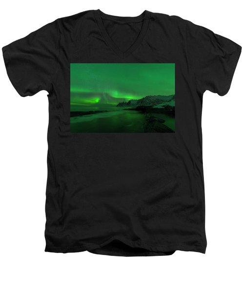 Swirling Skies And Seas Men's V-Neck T-Shirt