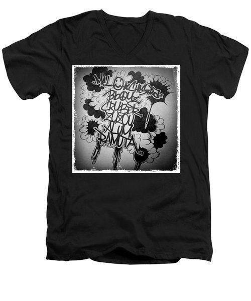 Tagging Men's V-Neck T-Shirt