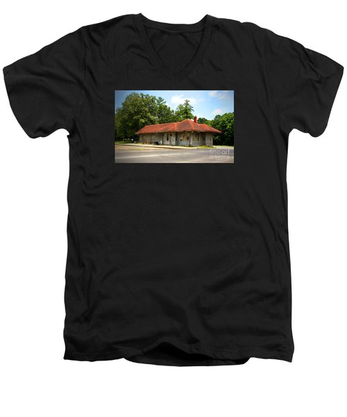 Tate, Ga, Rr Depot Men's V-Neck T-Shirt
