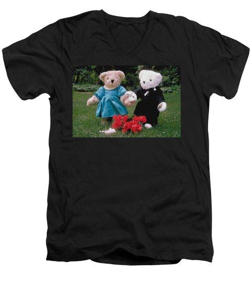 Teddy Bear Lovers Men's V-Neck T-Shirt