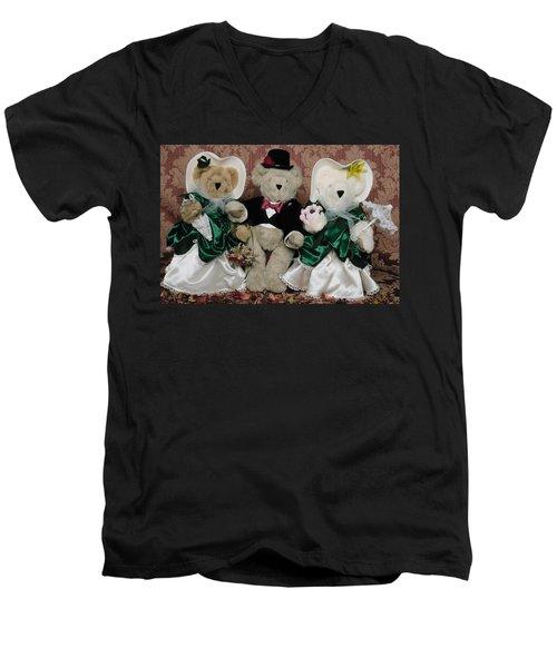 Teddy Bear Wedding Men's V-Neck T-Shirt