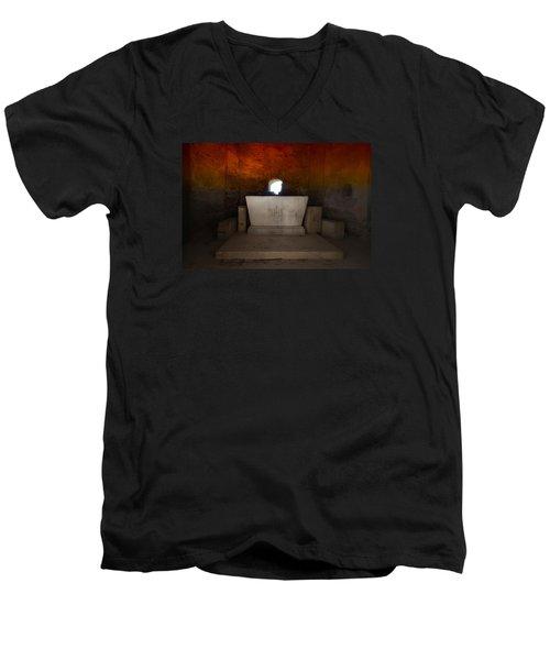 The Altar - L'altare Men's V-Neck T-Shirt