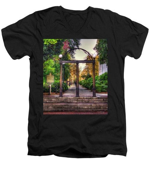 The Arch University Of Georgia Arch Art Men's V-Neck T-Shirt