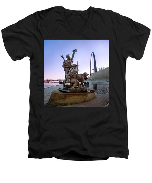The Captain Returns With Arch Men's V-Neck T-Shirt