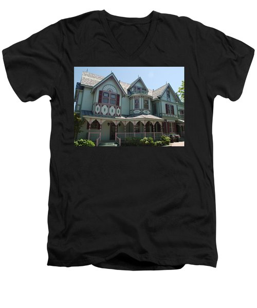 Men's V-Neck T-Shirt featuring the photograph The Empress by Richard Bryce and Family