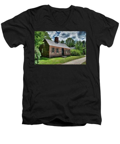 The John Wells House In Wells Maine Men's V-Neck T-Shirt