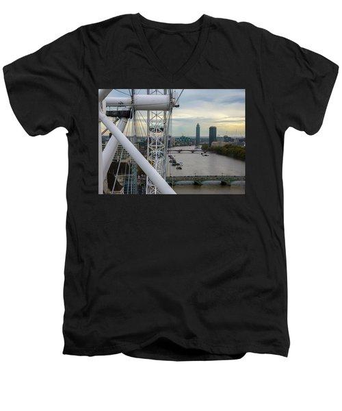 The London Eye Men's V-Neck T-Shirt