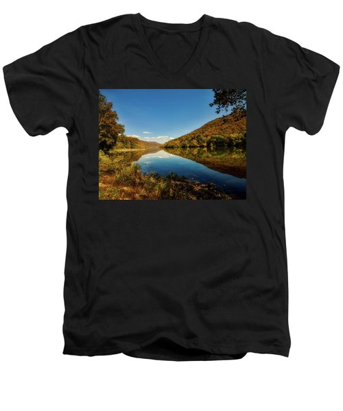 The New River In Autumn Men's V-Neck T-Shirt by L O C