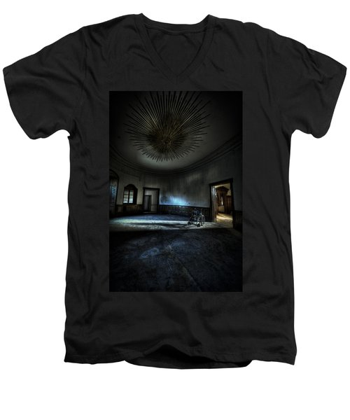 The Oval Star Room Men's V-Neck T-Shirt by Nathan Wright