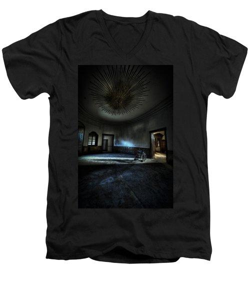 The Oval Star Room Men's V-Neck T-Shirt