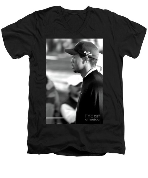 Tiger Woods Bw 2005 Men's V-Neck T-Shirt