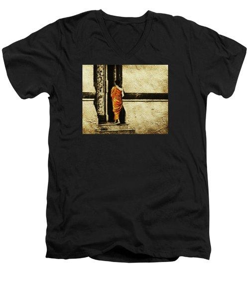 Time For Prayer Men's V-Neck T-Shirt