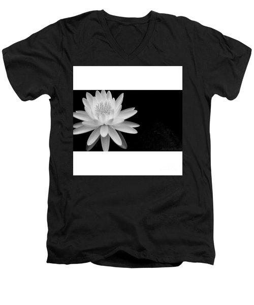 Black And White -timeless Lily Men's V-Neck T-Shirt