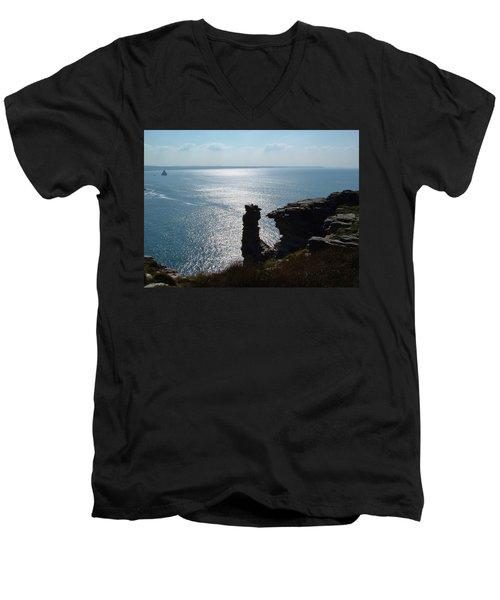Tintagel Stack Cornwall Men's V-Neck T-Shirt