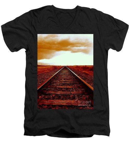 Marfa Texas America Southwest Tracks To California Men's V-Neck T-Shirt