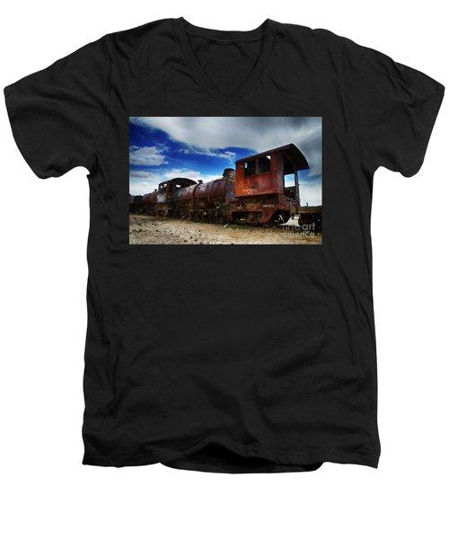 Train Graveyard Uyuni Bolivia 15 Men's V-Neck T-Shirt