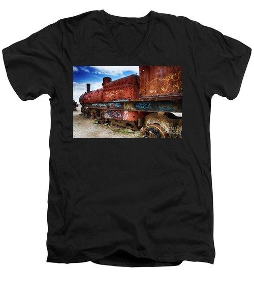 Train Graveyard Uyuni Bolivia 18 Men's V-Neck T-Shirt