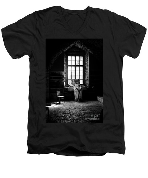 Tridentine Mass In An Ancient Chapel In The Old Dominican Monastery In Tallinn Men's V-Neck T-Shirt