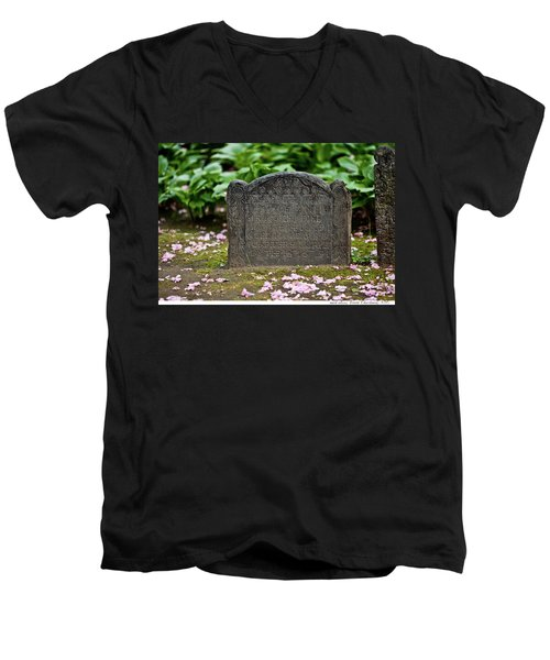 Trinity Church Tombstone Men's V-Neck T-Shirt