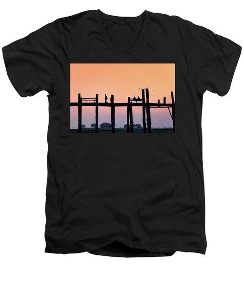 U-bein Bridge At Dawn Men's V-Neck T-Shirt