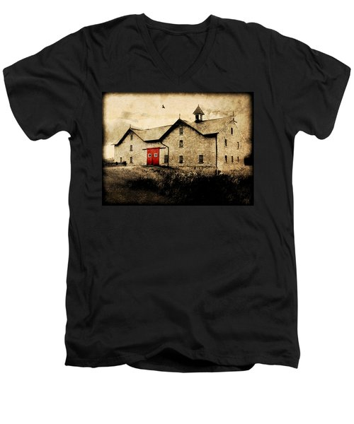 Uni Barn Men's V-Neck T-Shirt