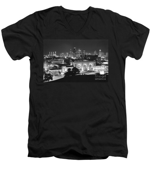 Union Station In Black And White Men's V-Neck T-Shirt