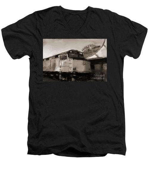 Union Station Train Men's V-Neck T-Shirt
