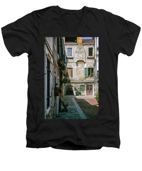 Venetian Back Street Men's V-Neck T-Shirt