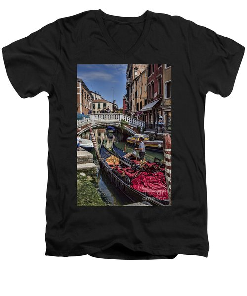 Men's V-Neck T-Shirt featuring the photograph Venice Gondolier by Shirley Mangini
