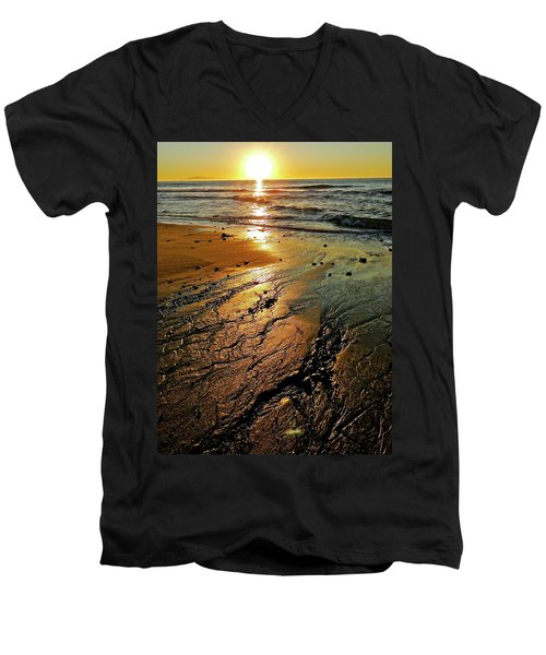 Ventura Beach Winter Sunset Men's V-Neck T-Shirt