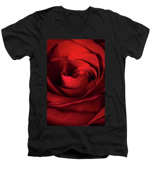 Vertical Rose Men's V-Neck T-Shirt