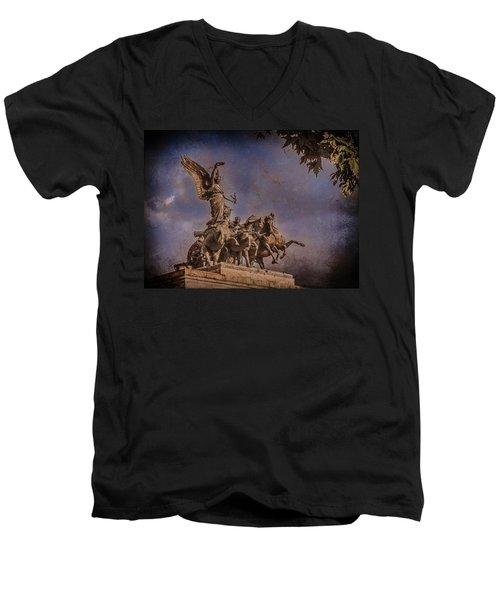 London, England - Victory Men's V-Neck T-Shirt