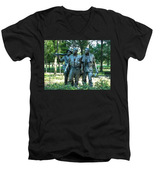 Vietnam War Memorial Statue Men's V-Neck T-Shirt