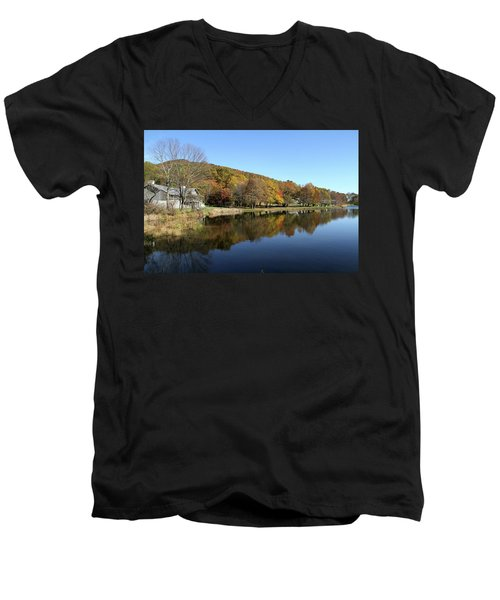 View Of Peaks Of Otter Lodge And Abbott Lake  In Autumn Men's V-Neck T-Shirt by Emanuel Tanjala