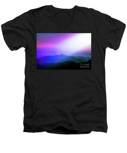 View Point Men's V-Neck T-Shirt