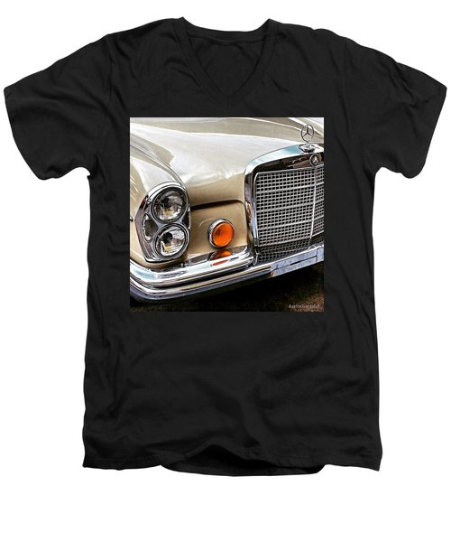 #vintage #car Corner Peek-a-boo Men's V-Neck T-Shirt