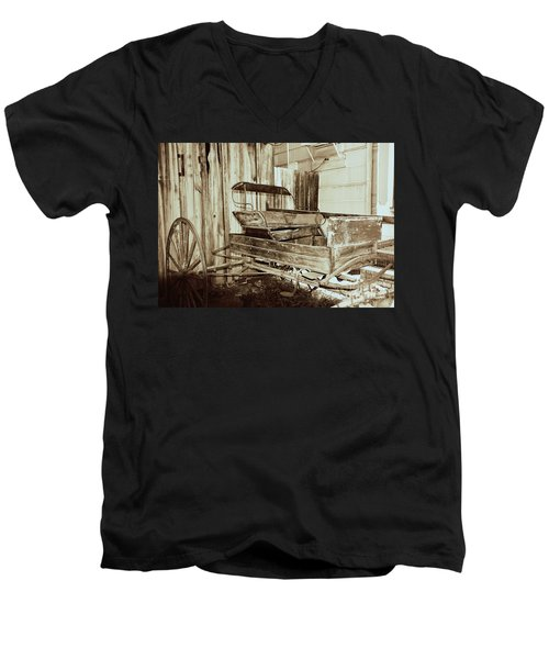 Vintage Carriage Men's V-Neck T-Shirt by Ray Shrewsberry