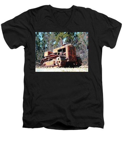 Vintage Caterpillar Men's V-Neck T-Shirt