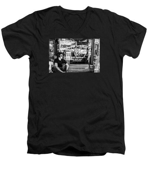 Vintage General Store Men's V-Neck T-Shirt