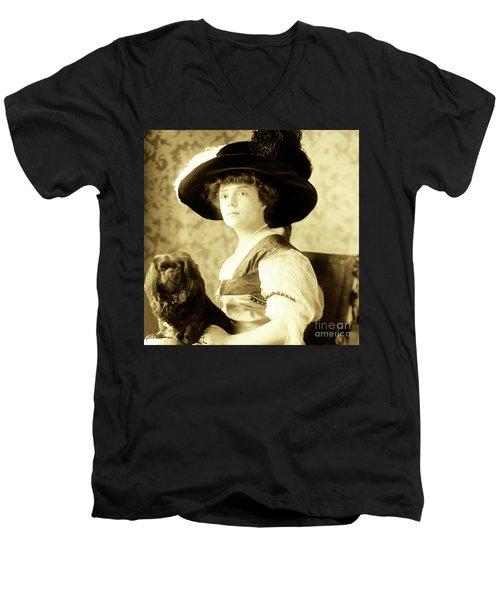 Vintage Lady With Lapdog Men's V-Neck T-Shirt