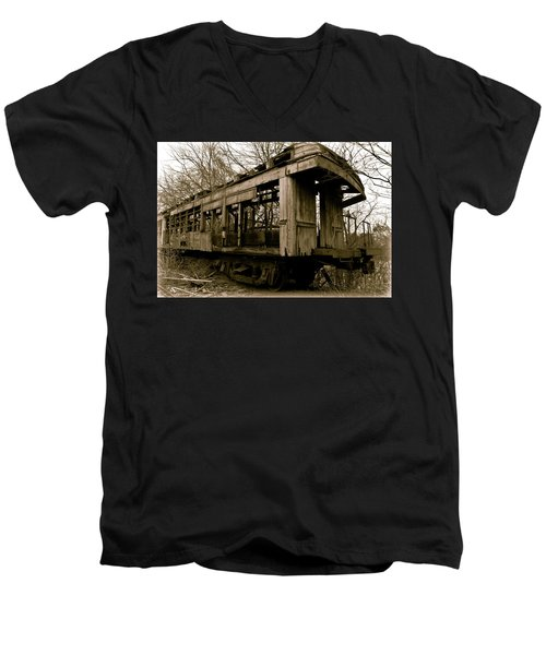 Vintage Train Men's V-Neck T-Shirt