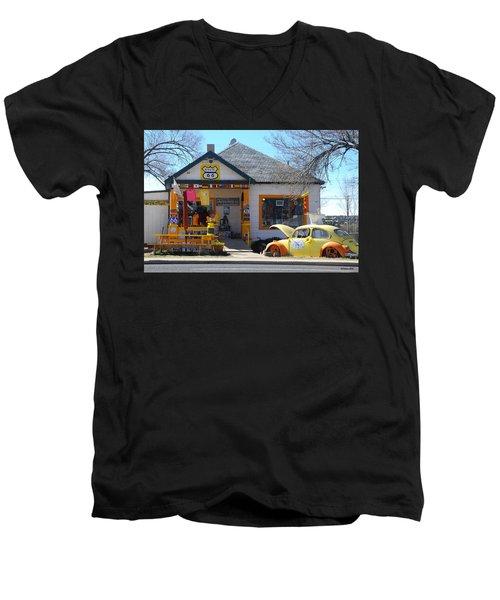 Vintage Vw Beetle At Seligman Antiques, Historic Route 66 Men's V-Neck T-Shirt
