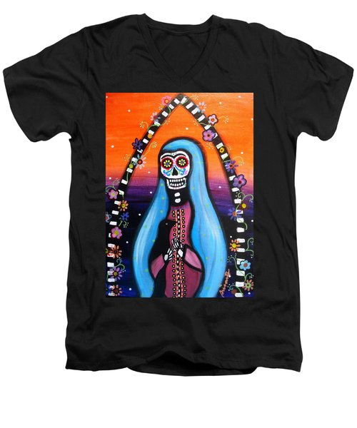 Virgen Guadalupe Muertos Men's V-Neck T-Shirt by Pristine Cartera Turkus