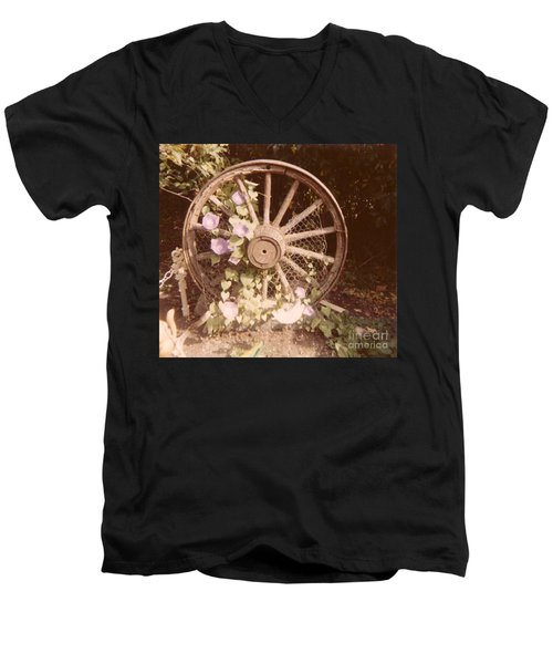 Wagon Wheel Memoir Men's V-Neck T-Shirt