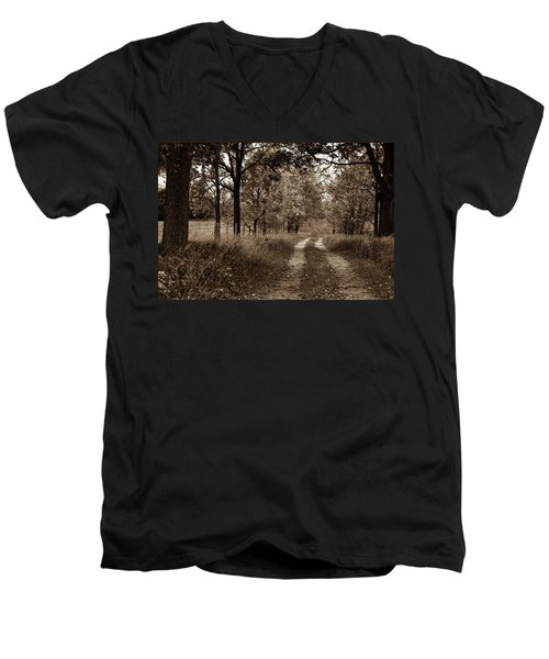 Walnut Lane Antiqued Men's V-Neck T-Shirt