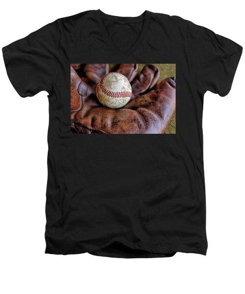Wartime Baseball Men's V-Neck T-Shirt