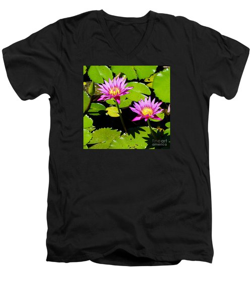 Water Lily 11 Men's V-Neck T-Shirt